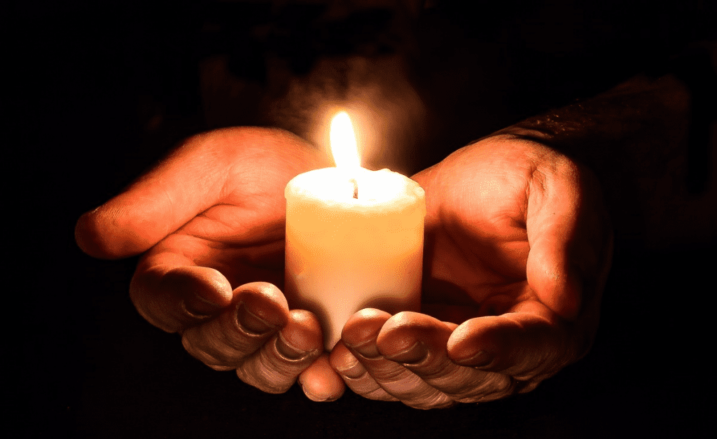 hands_open_candle_candlelight_light_prayer_pray_holding_candle-1207555