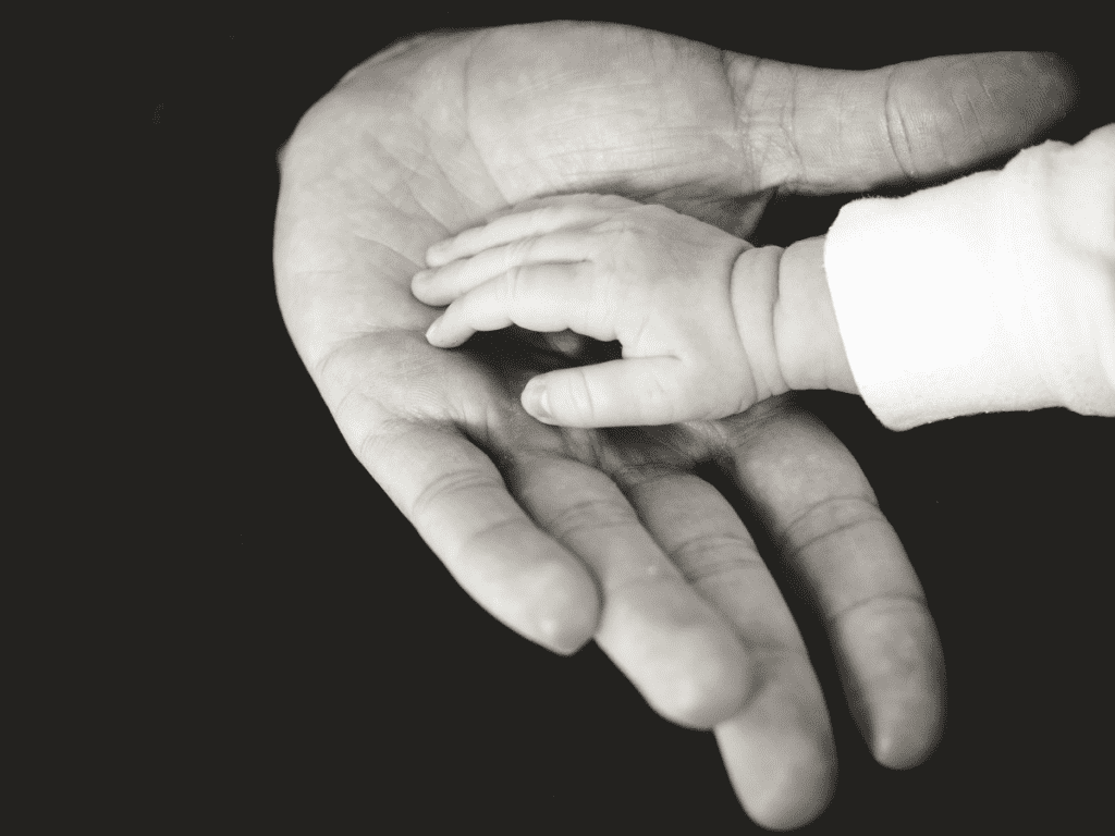 hands_baby_child_adult_childhood_family_human_holding-695951 pxhere